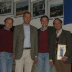 Dominik, Lukas, Andreas und Ladislaus bei einer Ausstellung über die Familie