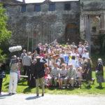 """""""Aufstellung zum Gruppenphoto"""" - Familientag 2008 auf Burg Güssing"""