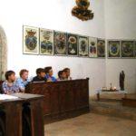 Die Jüngsten bei der hl Messe in der Burgkapelle