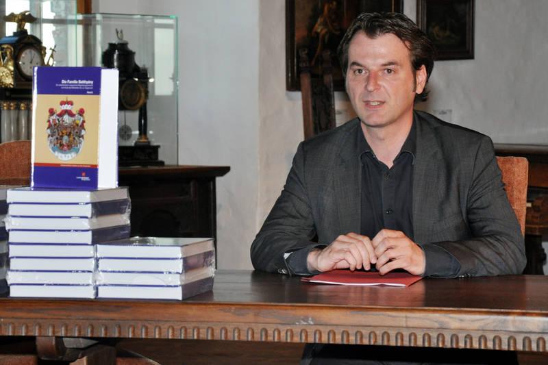 Mag. Polster, der Direktor des Landesmuseum Einsestadt, bei seinem Vortrag über Gustaf Batthyány